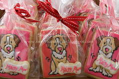 packaged dog and bone cookies